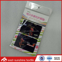eco-friendly customized design sticky microfiber lcd screen cleaner
