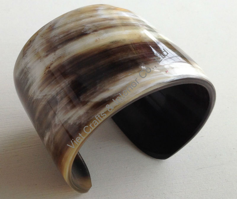 Buffalo horn cuff, wide 5cm, black with vein natural color