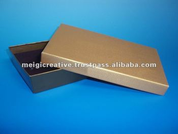 Custom Two Piece Carton Candy Boxes with Insert Tray