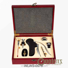 Lacquer wooden wine box with accessories