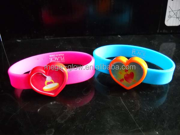 supplier top LED flashing silicone bracelet promotional item