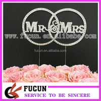 15cm Mr&Mrs Rounded Wedding Cake Topper for Bride and Groom Romantic Wedding Decoration