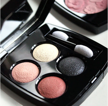 Silky matte Private label eyeshadow powder with palette