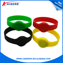 Low cost silicone wristband rfid functionality