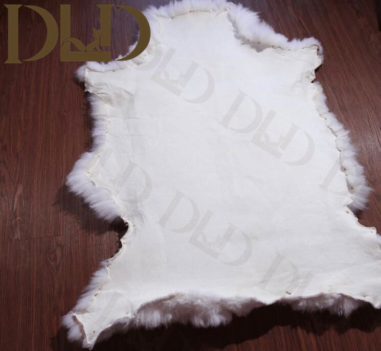 soft sheepskin fur rug