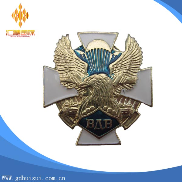 Top sale cheap metal design 3D golden eagle filling color badge