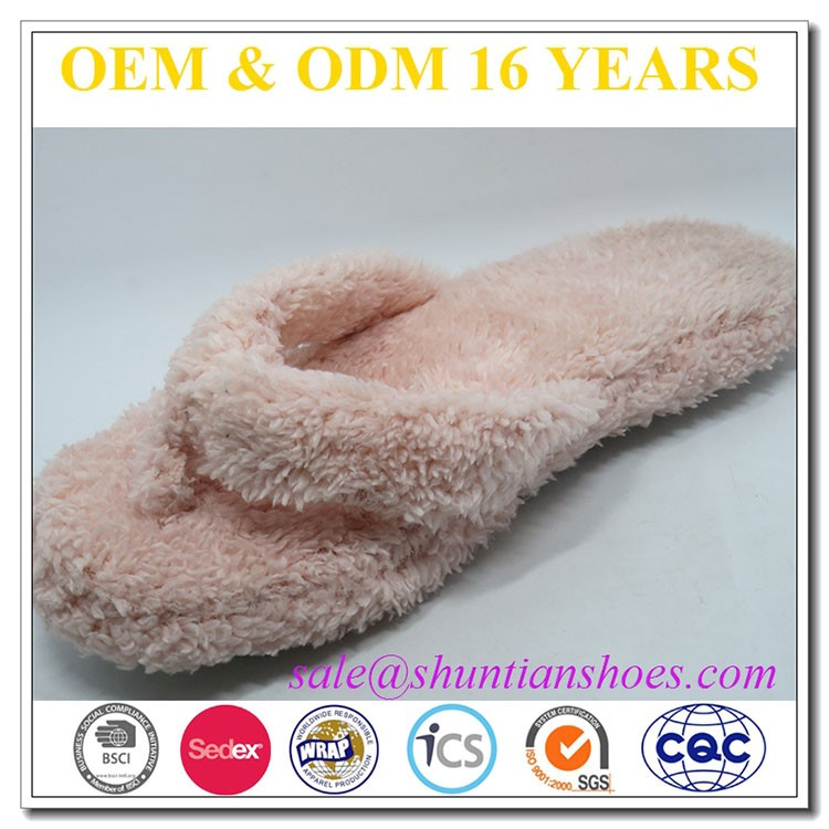 Wholesale cheap ladies pink spa fuzzy flip flop slipper