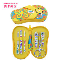 Professional Cheap Promotional Gift Nail Clippers Manicure Set Girl Mini Suitcase Manicure Set