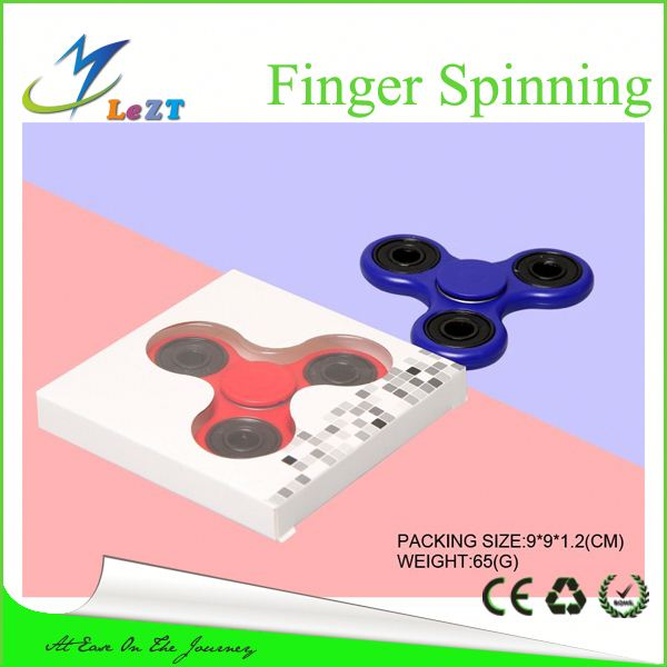 Free shipping Spinner Plastic Light Up Spinning Top Flashing Finger Toy In The Dark