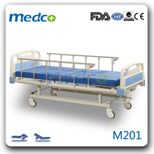 2015 hot sale!! 2 crank manual hospital bed with all cartification