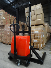 2 ton straddle semi electric manual stacker forklift