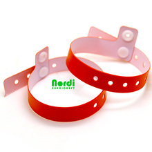 Top quality cheap price customized disposable L shape vinyl wristbands plastic ID bracelet for festival