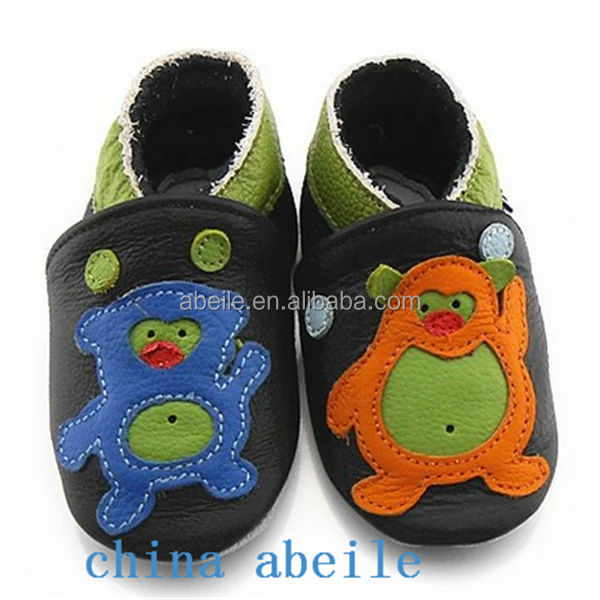 most fashionable squeaky footwear soft sole es lovely lace kids wholesale new leather baby shoes 2014