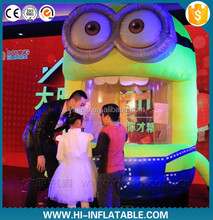 Hot sale! inflatable minion money booth cute inflatable minion model