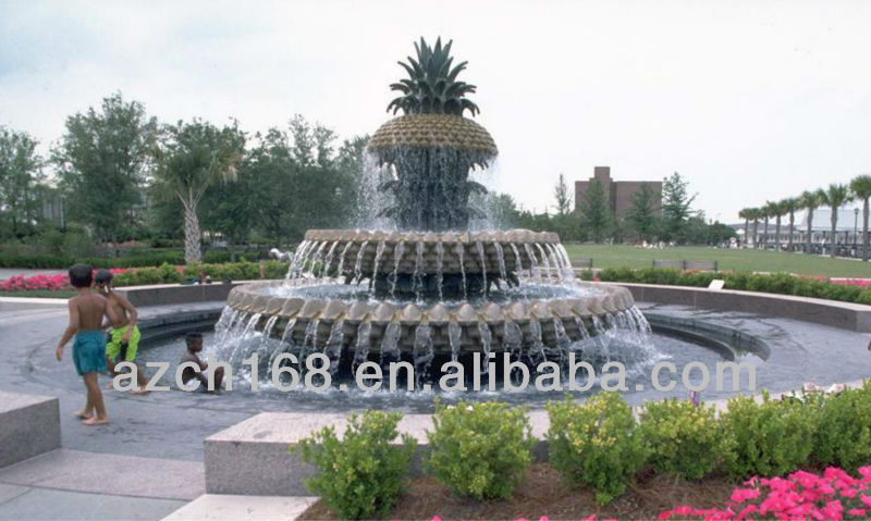 Pineapple water fountain sculpture for public park