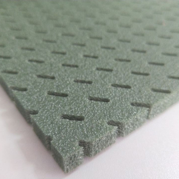 Closed cell PE foam for artificial grass