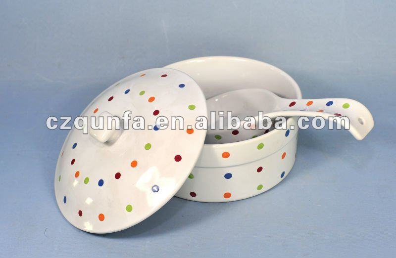 Colorful dot decoration ceramic casserole set with lid and spoon
