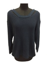 Heavy gauge Derocative shoulder stripe Mature sweater