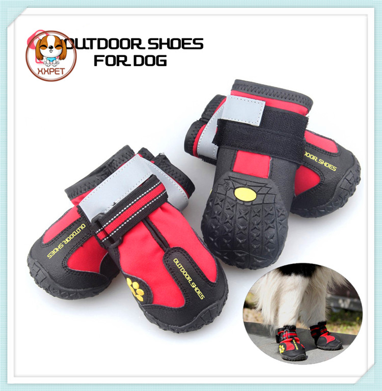Soft waterproof fashion running dogs shoes with rubber sole