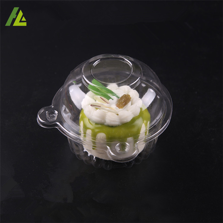 Food grade clear transparent plastic cupcakes in a box