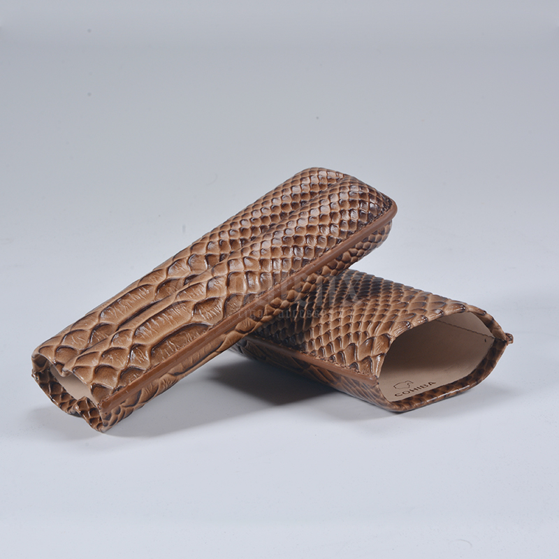 2CT Cigar Case With Crocodile Leather Surface Wholesale Cigar Case