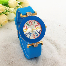 Hot fashion beautiful ladies quartz select watch lovely diamond quartz watch