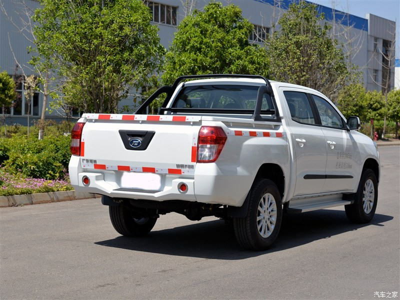 4 cylinder China Diesel Pickup Trucks