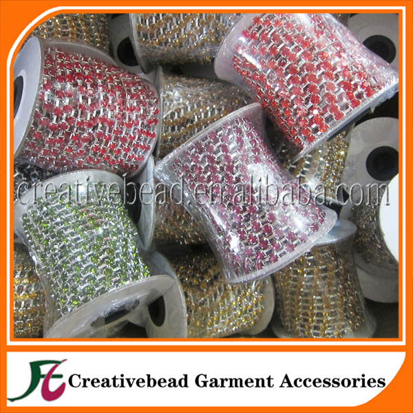 Wholesale colorful strass roll rhinestone close cup chain rhinestone lace roll chain