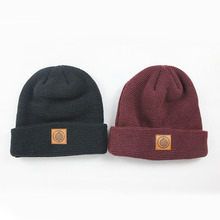 winter beanies with faster shipment 100% acrylic cheap leather badge beanie hat