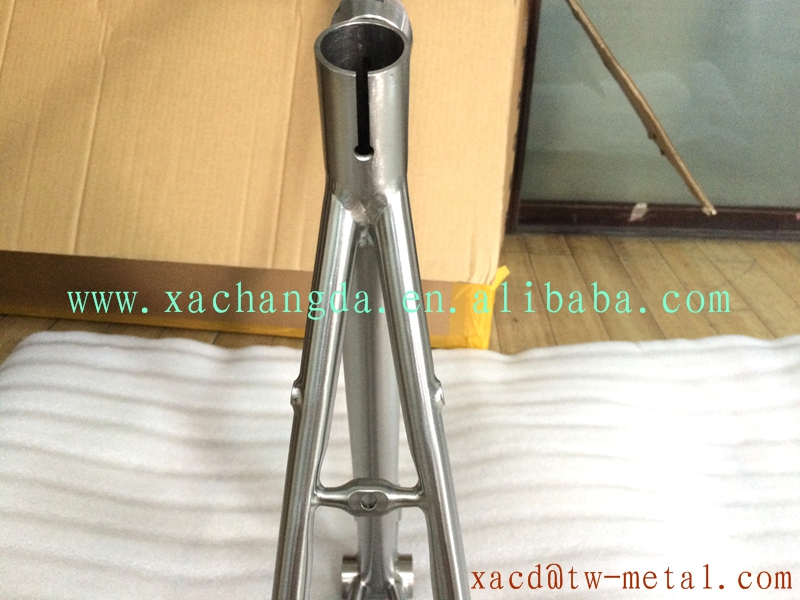 titanium road bike frame with handing brush finished road bike frame with couple bike frame