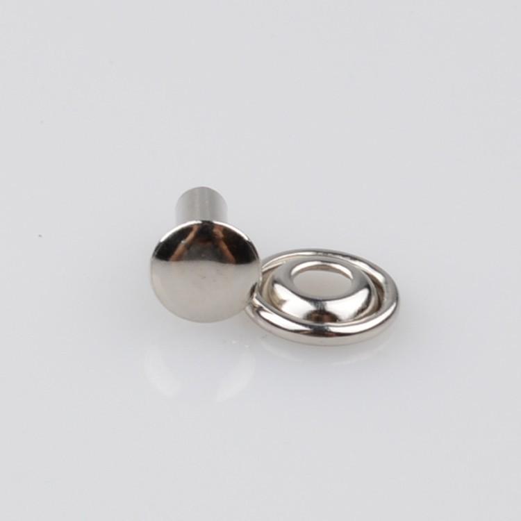 De cabeza plana de hierro remache decorativo para el cuero for Remaches de hierro