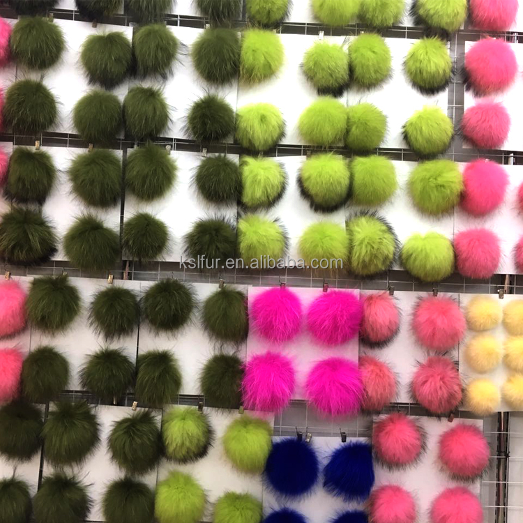 China supplier Real rabbit/raccoon/fox/min fur ball pom pom Color can be customized