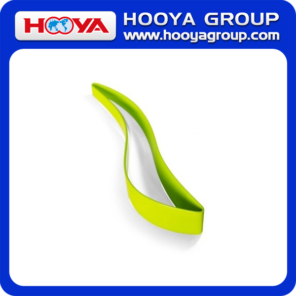 Multi Color Leaf-Shaped Food Grade Plastic Magic Cake Slicer