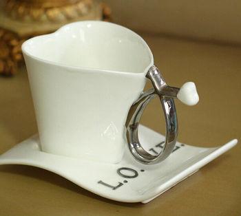 cute design ceramic heart design cup your own logo mug , for图片
