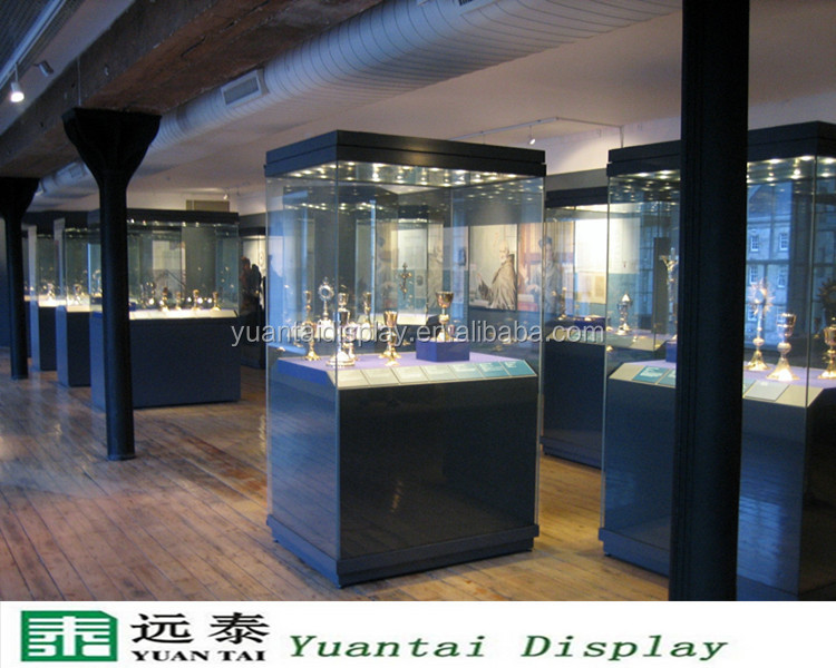 Yuantai display museum showcase wholesale glass tower display with led lights