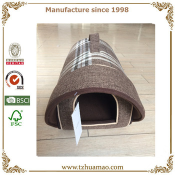 Portable pet carriers/light durable pet houses/outdoor dog bag