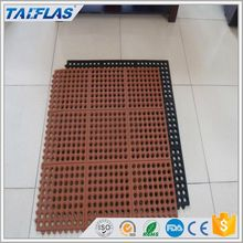 Easy to clean perforated rubber mats