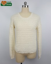 woman's cotton/acrylic knitted pullover with lace