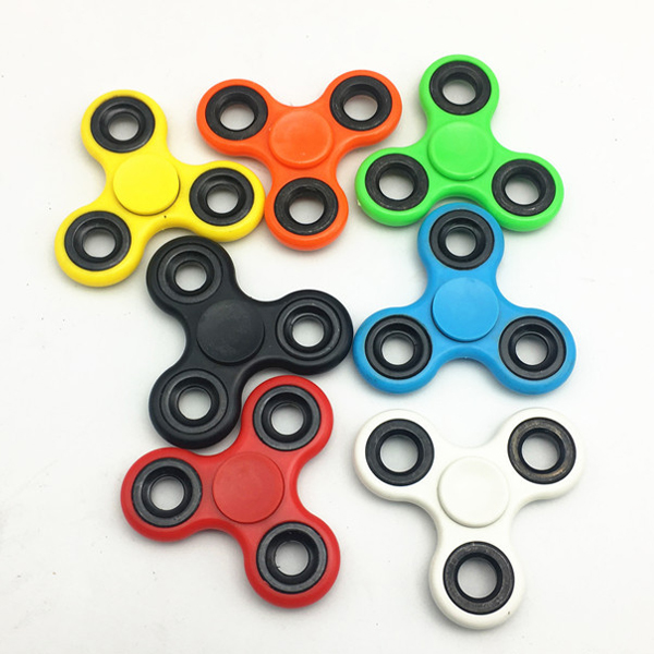 2017 Hot Sales Universal finger toy 608 metal spinner competitive price classics fidget spinner
