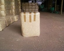 Compressed bales of quality kiln dried pine shavings available