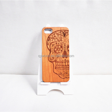 Universal engraved skull cherrywood cell phone case