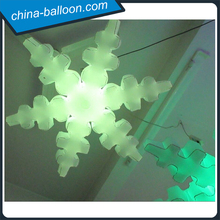 Beautiful inflatable lighting snowflake/ led snowflake shaped balloon for hanging decoration