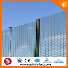 2015 shengxin PVC coated 4mm wire diameter /safety garden fencing/industrial safety fence