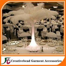 China <span class=keywords><strong>al</strong></span> <span class=keywords><strong>por</strong></span> <span class=keywords><strong>mayor</strong></span> artificial avestruz para la decoración de la boda <span class=keywords><strong>plumas</strong></span> de avestruz blanco 20-65 cm