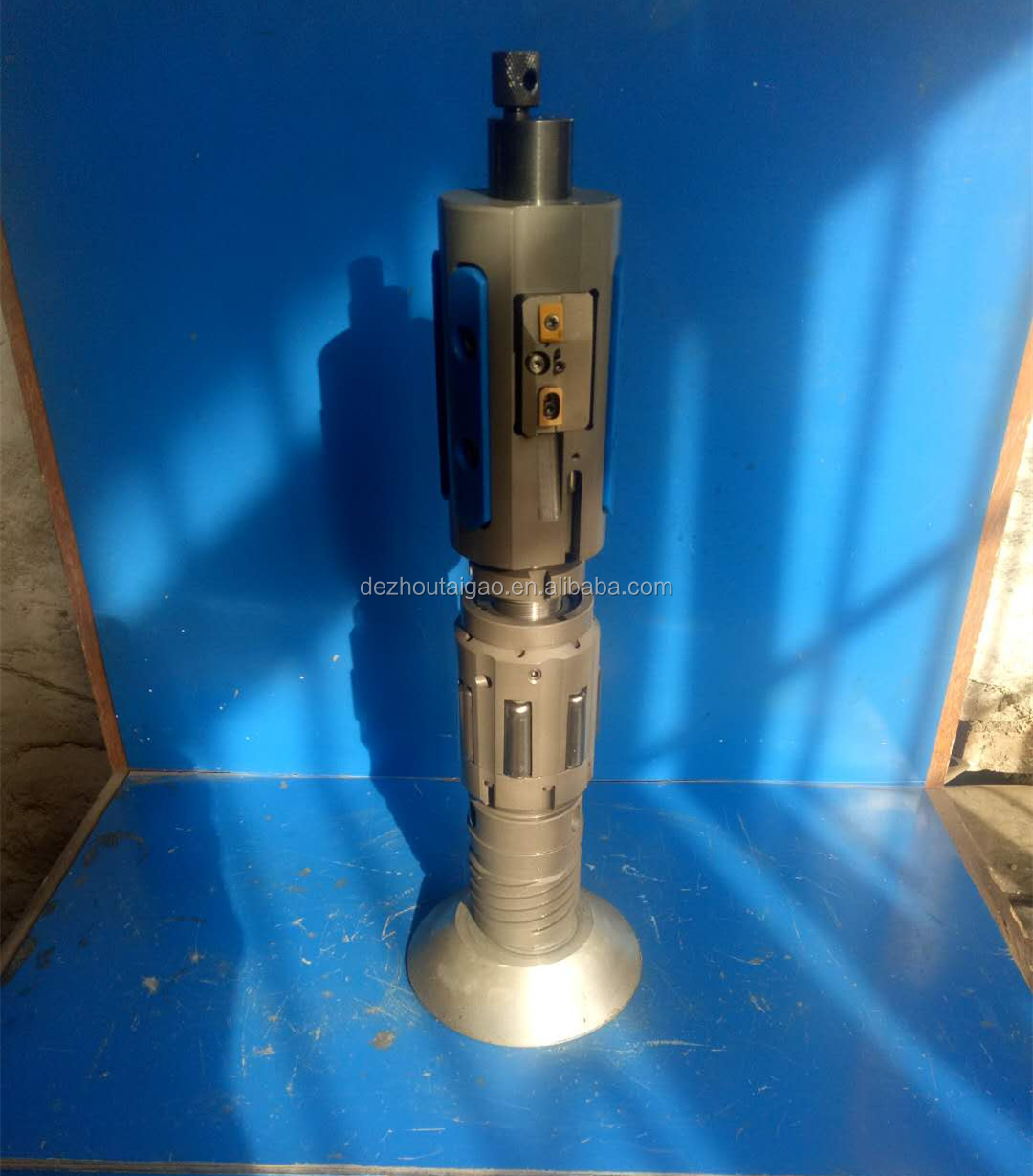 Pneumatic scraping and rolling boring head for sale