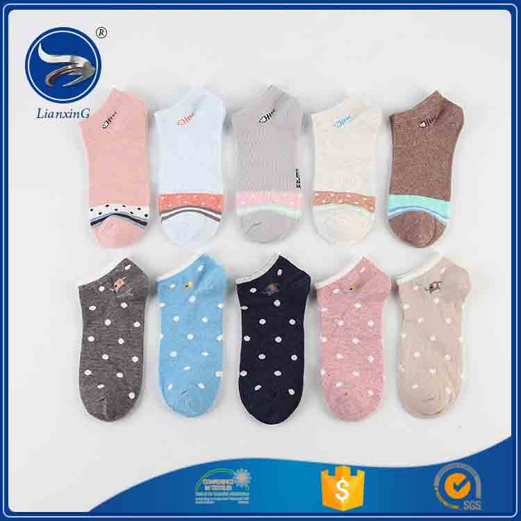 Low price high qiality Lian xing women Hosiery ankle socks girls knee socks