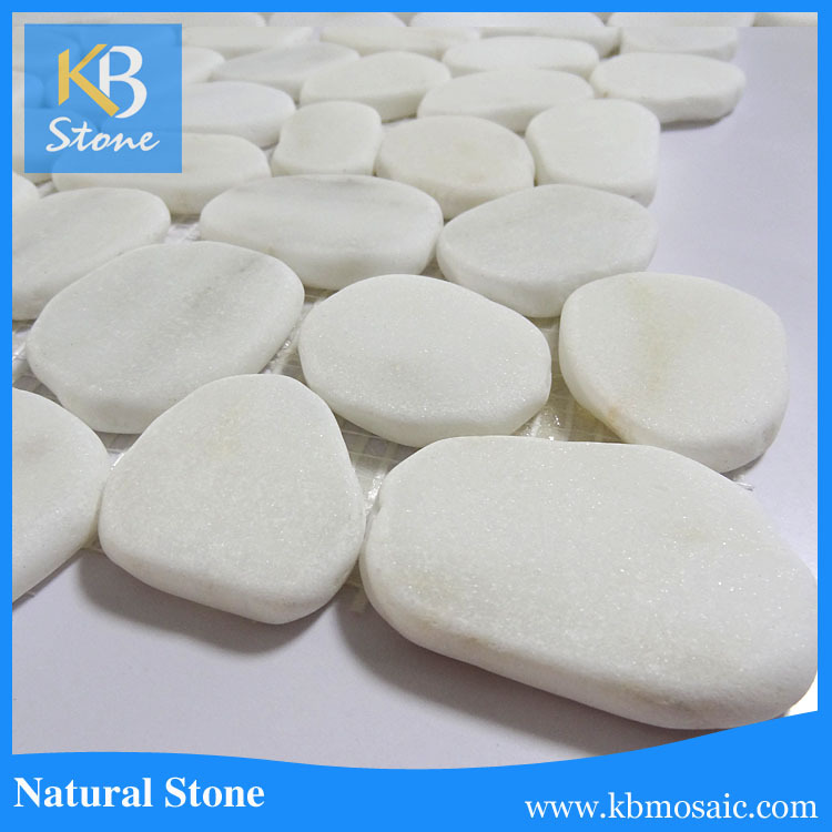 2017 hot sale white natural pebble stone mosaic flooring