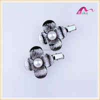 Designer Hot Selling Fancy Metal Large Pearl Flower Alligator Hair Clips For Girls Wedding Bridal Hair Accessories