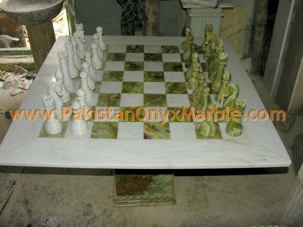 onyx-chess-boards-set-checkers-red-onyx-green-onyx-white-onyx-figures-18.jpg