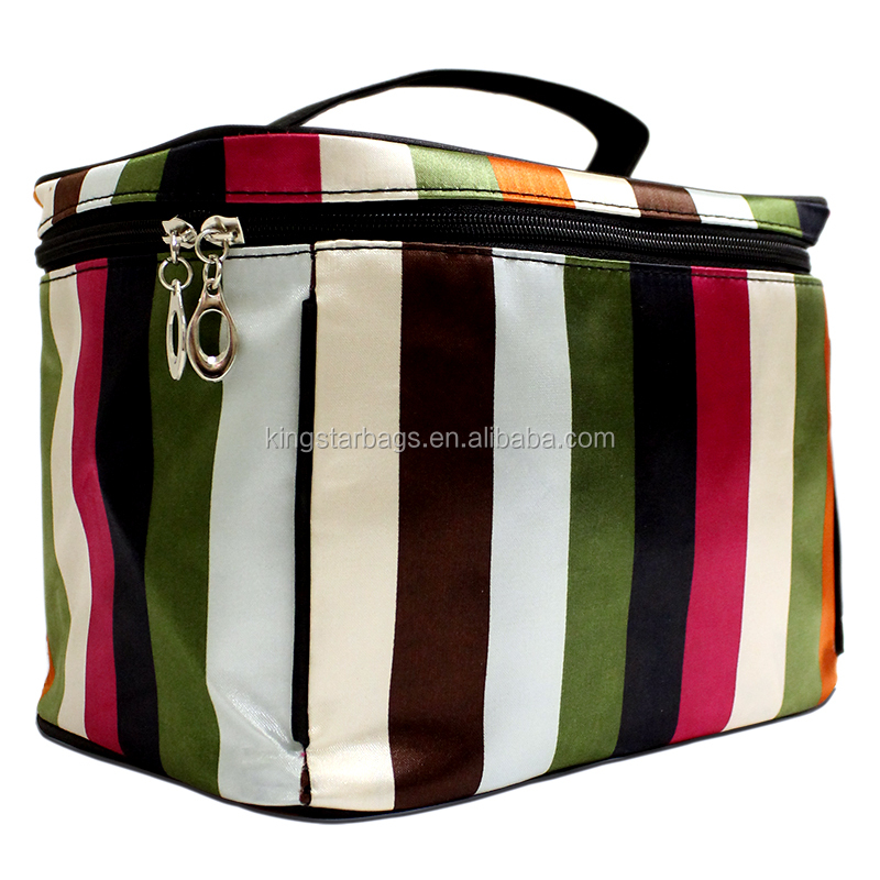 Cosmetic carry case with handle Handle cosmetic case
